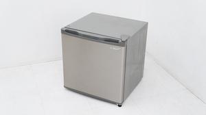 【タカラ電機】 エスキュービズム WFR-1032SL コンパクト 冷凍庫 1ドア 32L 2018年製 ■お引き取り可:東村山市
