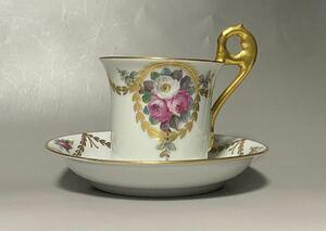 極美品ドレスデンDresden 手描きのカップとソーサー バラの装飾アンティーク 金彩 ビンテージ ドイツ 楽しいティータイム コーヒー 紅茶