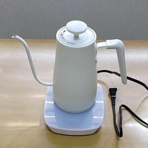 【美品】山善 電気ケトル 電気ポット 0.8L (温度設定機能/保温機能/空焚き防止機能) ホワイト YKG-C800(W)