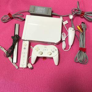 Wii本体7セットシロ 電源コード/AVケーブル/センサーバー/リモコン付属 クラシックコントローラRVL-001 任天堂/517