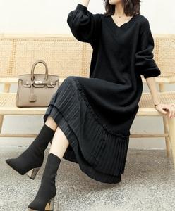 裾プリーツがかわいい★新品☆フリーサイズ★Vネックセーターニットワンピ膝丈くらい黒