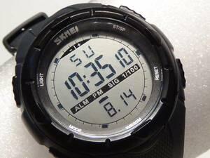 大型液晶 スポーツ 腕時計 デジタル ウォッチ ライト付 グレー