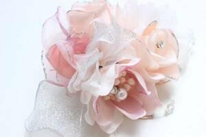 新品 百貨店品 コサージュ 結婚式 卒業式 入学式 ピンク 銀ラメ 髪飾り