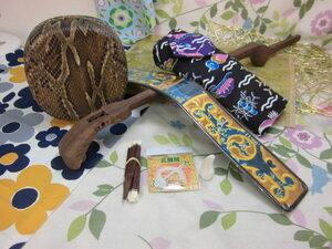 (送料無料)25.980円 沖縄三線専用未塗装紫檀棹と紅型三線袋、チーガ(胴)他2点