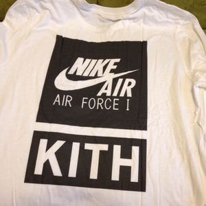 KITH限定 NYC NIKE ロングスリーブ ロングTシャツ SIZE L ronnie fieg nyc ロンT air force 1