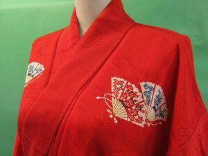 アンティーク着物 紅緋に扇面文様の小紋 里山文様の綸子地紋 バチ衿 縮緬(0)