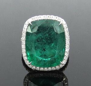 スイス証書付き新古品《18ct ダイヤモンド&ザンビア産天然エメラルド》K18リング指輪