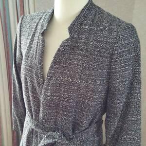 H&M、未使用、タグ付き。オシャレなデザイン襟のジャケツトEUR36(日本サイズ9号)