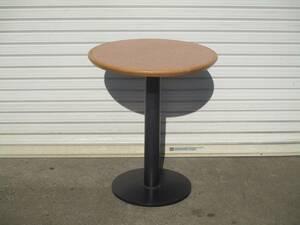 y0-1422 【丸テーブル1脚】 W600×D600×H700 カフェ テラス 木目 店舗用品 中古 厨房