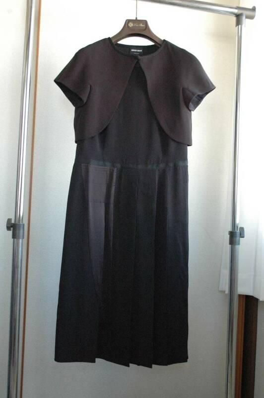 ジョルジオアルマーニ ブティック   「    ご婦人のスーツとして    」