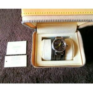本物 美品 ルイヴィトン タンブール レディース 腕時計 ブラウン 正規品 高級 ブランド 時計 ロング 細 ベルト 革 レザー 本革 こげ茶 茶色