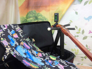 (送料無料)8.980円 沖縄三線専用セミハードケース、紅型三線袋、三線台、調弦チューナー セット