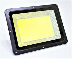 即【特大COBチップ搭載】LED400W投光器 6500K白色 IP66 屋外照明