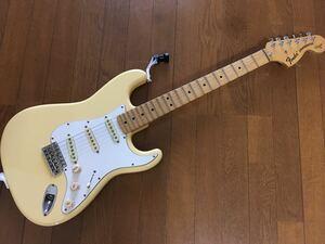 [GT]Fender Japan Stratcasterカスタム・エディション ST72 イングヴェイ・モデルの最上位品 Custom Edition 専用ハードケース付き!