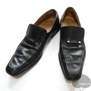 YGG★本物 LV LOUIS VUITTON ルイヴィトン ローファー シューズ 黒 レザー 8 ロゴバー付き メンズ ビジネス 靴