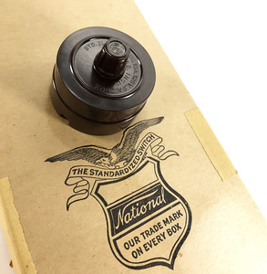 【デッドストック!】1930'sアンティークスイッチ/壁付け/ビンテージ/デスクライト/店舗什器/ペンダントライト/照明/真鍮/コンセント/古材