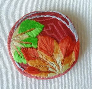 日本刺繍・正絹・花紋・おしゃれ紋「もみじ1」長羽織や黒羽織に。着物遊び