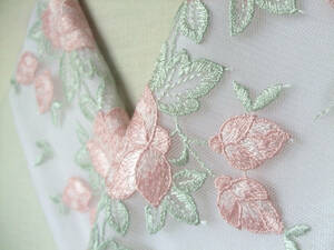 【さくら】24 *最後の1枚!*大輪の豪華なバラのお花に蕾のチュールレース半襟・手縫い絹交織半襟