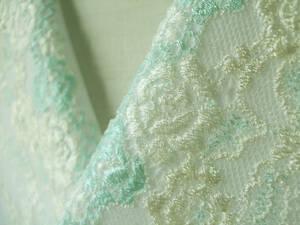 【さくら】4 ミントグリーンの小花・チュールレースの半襟・絹交織半襟・手縫い