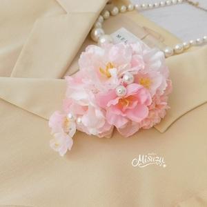 ほっこりサクラ桜のコサージュ 卒業式・入学式・式典・結婚式・謝恩会 髪飾り・袴・帯飾り 082