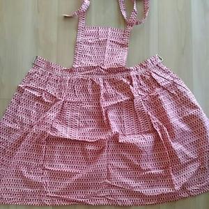 エプロン 手縫い ピンク かわいい生地 未使用品 ポケット2つ