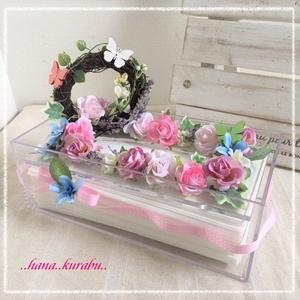 ◆セール!値下げしました◆リースのあるピンクのミニバラ◆造花フラワーティッシュボックス・ケース◆プレゼント・ギフト◆花倶楽部
