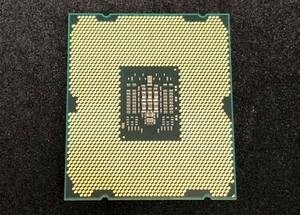 Intel Xeon E5-2643 SR0L7 4C/8Th/3.30GHz/8GT/s/10MB 在庫2
