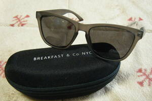 BREAKFAST & Co NYC designed in New York  ファッション&スポーツ用サングラス 男女兼用 オリジナルハードケース附属