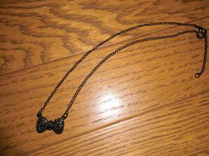 ネックレス (蝶ネクタイとダイヤのモチーフ)   ビーズアクセサリー・ペンダント・小物雑貨