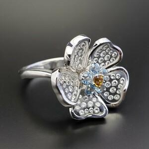 Gemtique ジェムティーク 750WG(K18WG) 花型デザインリング 13号 指輪