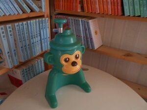 Showa Retro MOON ELEPHANT green oyster ice machine Kyoro-chan .... Monkey green 19X17H33CM