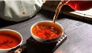 入手困難品。訳あり!贈答用(割れのため)雲南最高級品「宮廷金毫 普熟茶(きゅうていこんごう プーアル熟茶)」2013年産 小分け17g