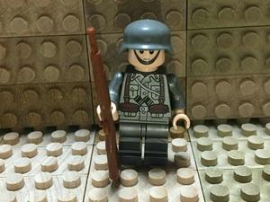 10体 ☆ カスタム ミニフィグ ☆ レゴ LEGO サイズ ☆ WWII ドイツ軍兵士 German Infantry x 10体セット ☆ 武器(ライフル付き) ☆ 新品