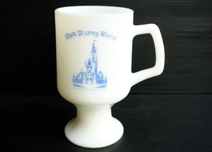 ◆ USA食器 ディズニーランド ミルクガラス フッテッドマグ コップ/ビンテージ アンティーク アメリカ雑貨 レトロ フェデラル 1 60's 70's
