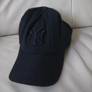 ニューエラ ニューヨークヤンキース ベースボールキャップ 60.6cm 7 5/8 メンズ レディース 黒 NYロゴ 帽子