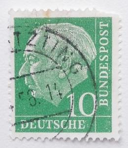 西ドイツ 切手 1954年または58年発行 初代連邦大統領 テオドール・ホイス 郵便 郵趣 ヨーロッパ 西洋 西欧 欧州 West Germany 国家元首