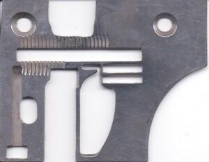 ミシン工業用PEGASUSペガサス ロックミシン アタッチメント針板中古品