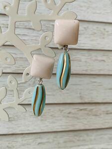 N o. 11123 retro adjustment Earring light pink cream × light blue