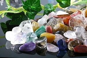 【送料無料】 200g さざれ 大サイズ ミックスジェムストーン 水晶 パワーストーン 天然石 ブレスレット 浄化用 さざれ石 チップ ※3