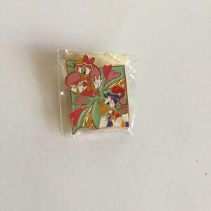 非売品 3/14-16,2004 ホワイトデー ドナルドダック デイジー ピンバッジ 新品 東京ディズニーシー限定 TDS バッチ バッヂ ピンズ pins