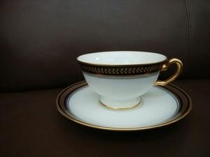 即決◆大倉陶園◆ゴールドウィング(瑠璃) ティーカップ&ソーサー 金彩