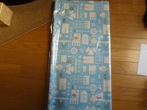 新品。クリスマス柄のラッピングペーパー、包装紙、100枚セット