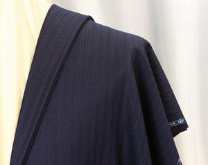 ■スキャバル社「ロイヤルフラッシュ」濃紺に消え入りそうな上品ストライプ・服地価格132万円・心地良さを追求した逸品