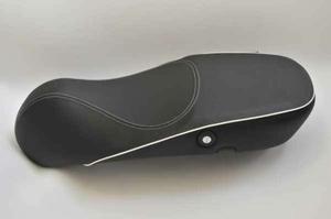 ※アンコ抜き LX125ie LX150ie シート あんこ抜き 加工 ローシート化 カスタム 足つきの 改善 ベスパ VESPA seat lowdown program