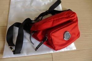 新品 即決 正規品 モンクレール ボディバッグ バッグ レッド ウエストバッグ ウエストポーチ ショルダーバッグ 男女兼用