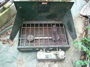 ツーバーナー キャンプ コールマン ガソリン使用可能