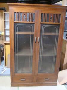 アンティーク・レトロ 手頃なサイズの収納棚 本棚 古民家 キャビネット ディスプレー 食器棚 飾り棚 昭和レトロ