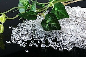 【送料無料】 200g さざれ 小サイズ AAAランク クオーツ 水晶 パワーストーン 天然石 ブレスレット 浄化用 さざれ石 チップ ※1