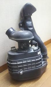 NKR85エルフ エアークリーナーケース いすゞ純正 898111213 中古品