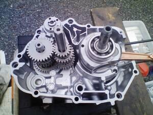 モンキー系 横型エンジンの組み付けOH、チューニングします!
